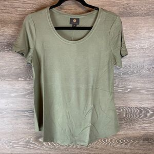 JM Collection Olive Spring Crewneck Tee NWT